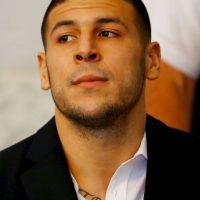 Aaron Hernández se preparaba para la temporada 2013 de la NFL con los Patriotas de Nueva Inglaterra cuando fue acusado de asesinato. Foto:Getty Images