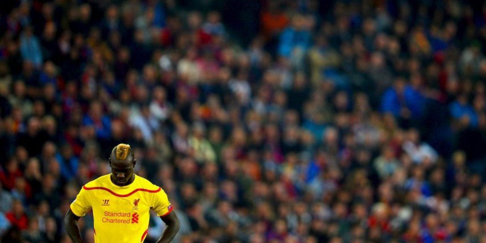 Mario Balotelli encabeza la lista de los jugadores más insultados en las redes sociales. 52% de estos mensajes son discriminatorios. Foto:Getty Images