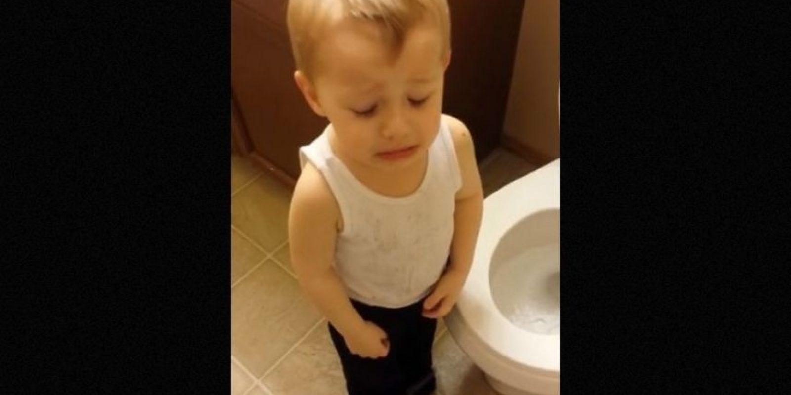 Este niño experimentó por primera vez la pérdida de un ser amado. Foto:YouTube