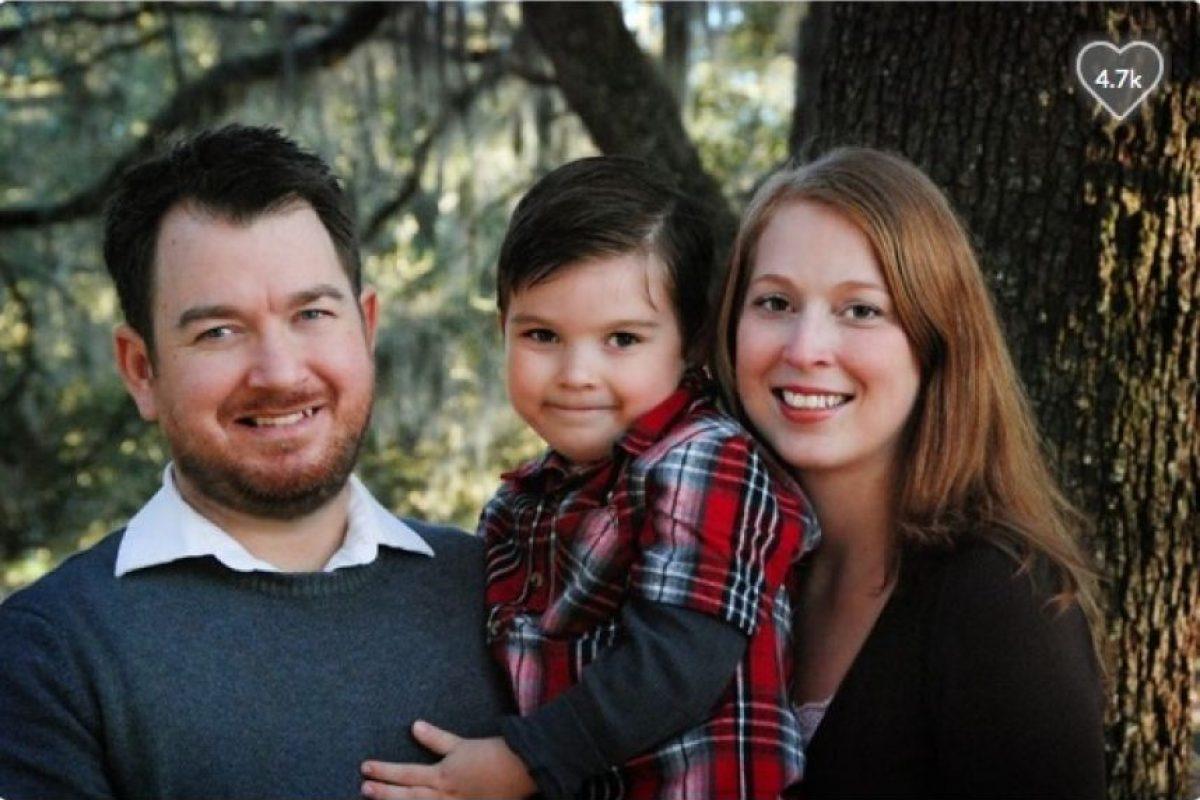 Actualmente, Justin, el padre de Sammy, pasa cuatro horas al día y emplea tres días a la semana en diálisis. Ahora necesitan un donante para él y dinero para el resto de su tratamiento. Foto:GoFundMe.com