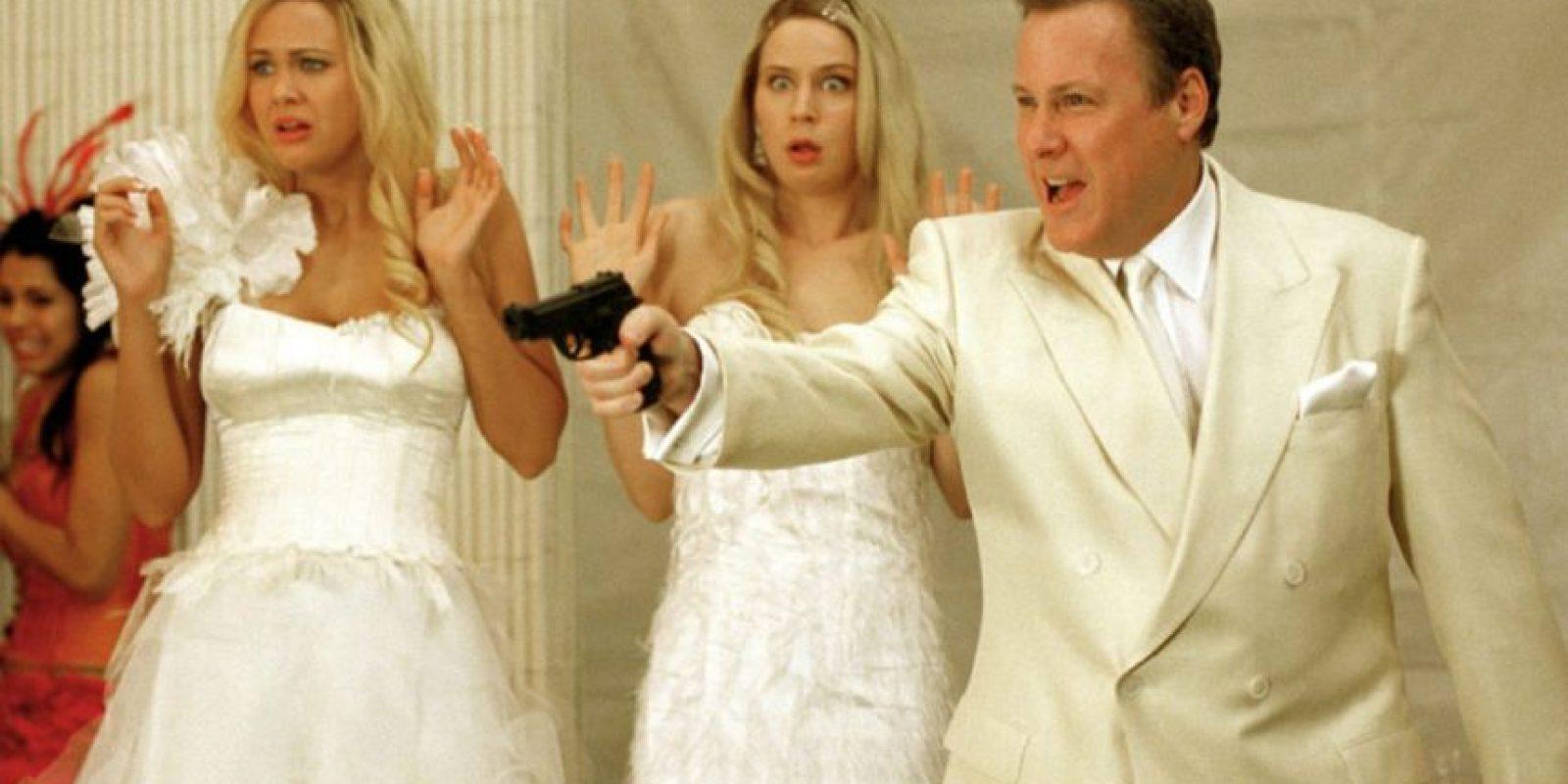 """John Heard era """"Warren Vandergeld"""", millonario arruinado que quería secuestrar a las Wilson. Foto:Wayans Bros. Production"""