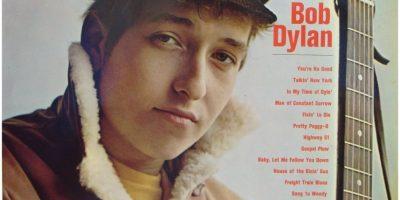 19 de marzo. Bob Dylan lanza su primer disco, de nombre homónimo. Foto:Wikimedia.org