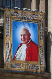 3 de enero. El papa Juan XXIII excomulga a Fidel Castro por hacer pública su postura comunista Foto:Getty Images