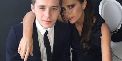 Tiene dos hermanos menores: Romeo y Cruz. Foto:Vía instagram.com/brooklynbeckham