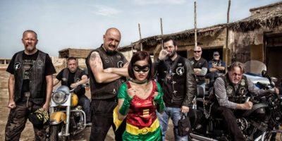 Fotos: Personas ordinarias como superhéroes sucios y ásperos
