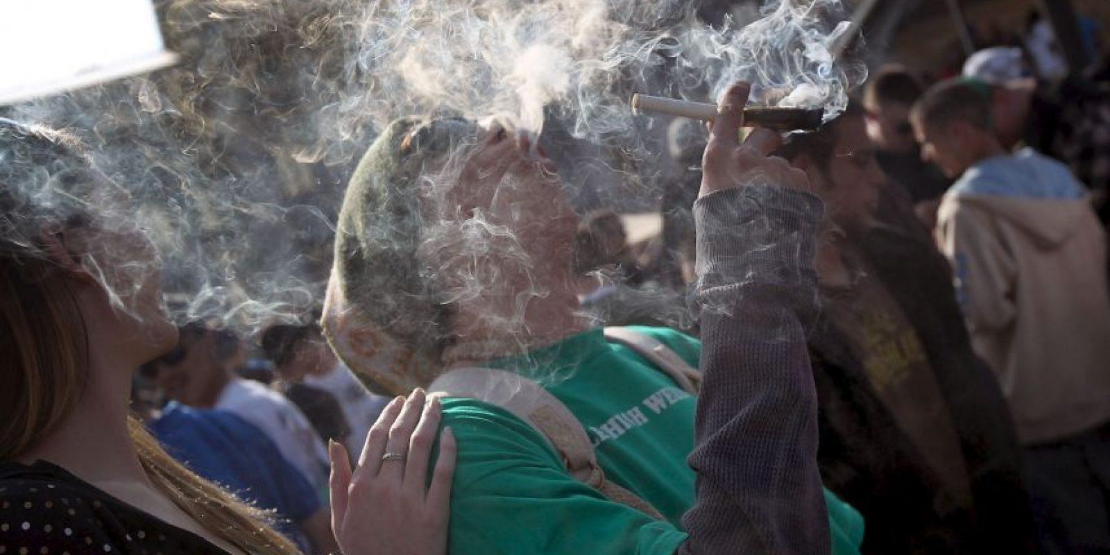 """En los países y estados en los que el consumo de marihuana no es legal, la celebración del """"420"""" es, a su vez, una protesta abierta en contra de la autoridad Foto:Getty Images"""