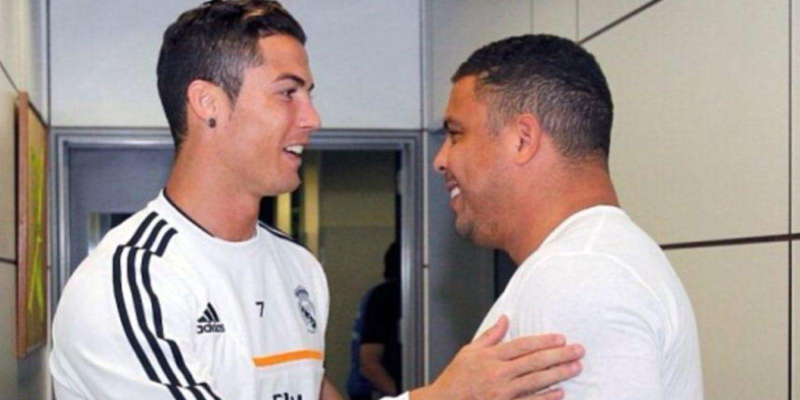 El astro brasileño Ronaldo, exfutbolista del Real Madrid, confesó su admiración por Cristiano, actual estrella del club merengue. Foto:Vía instagram.com/ronaldolima