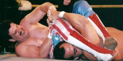 Fue encontrado muerto en un hotel de Menneapolis, Minesota, a los 38 años, víctima de un problema en el corazón Foto:WWE