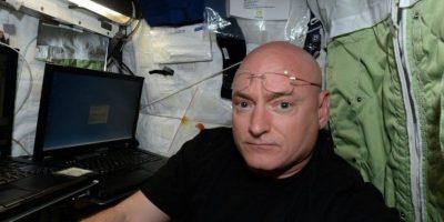 Su primera publicación: un selfie Foto:Facebook.com/pages/NASA-Astronaut-Scott-Kelly