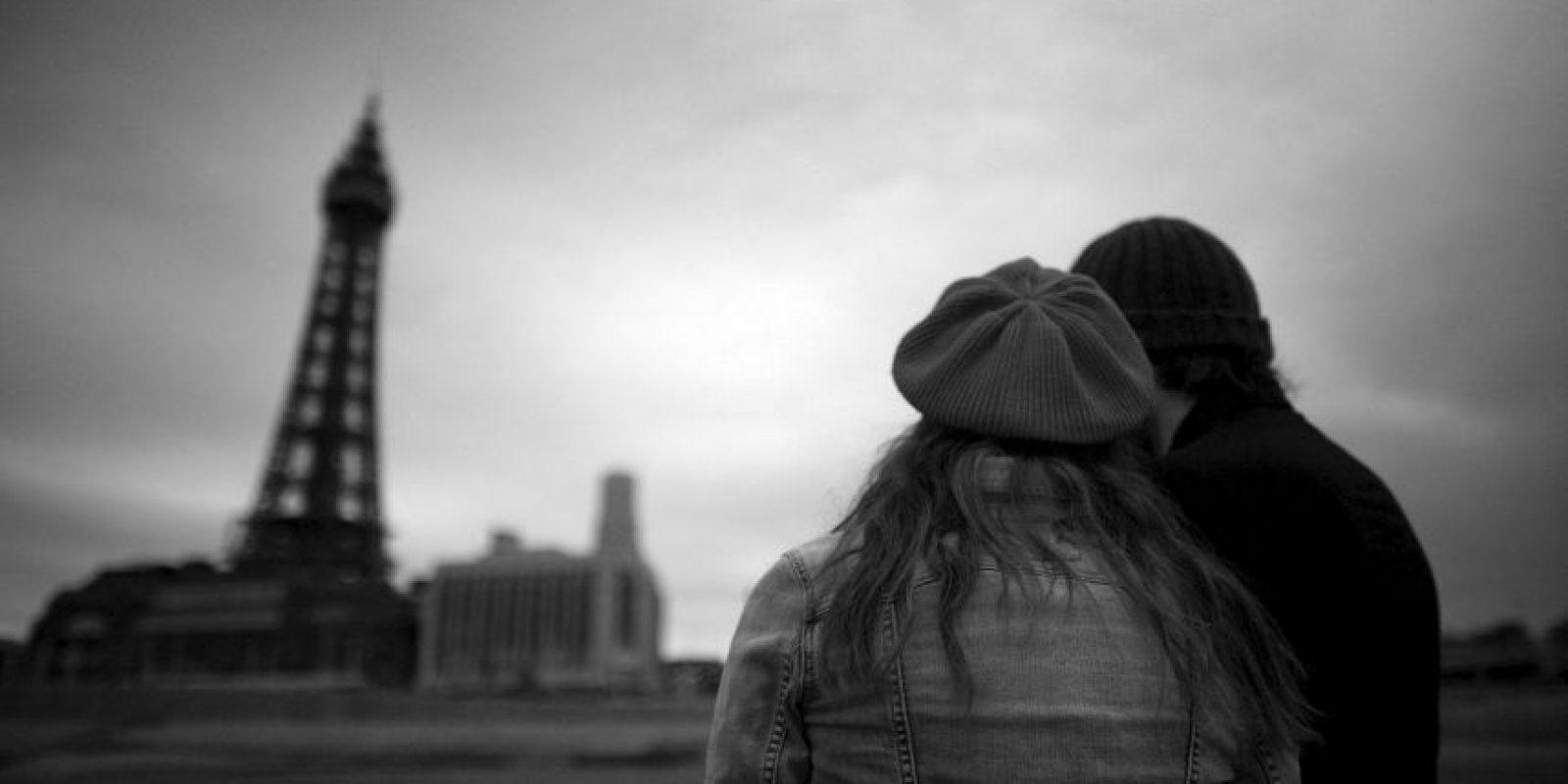 Fisher, además, menciona que un cerebro enamorado reacciona igual que el cerebro de un adicto a la heroína. Foto:Getty Images