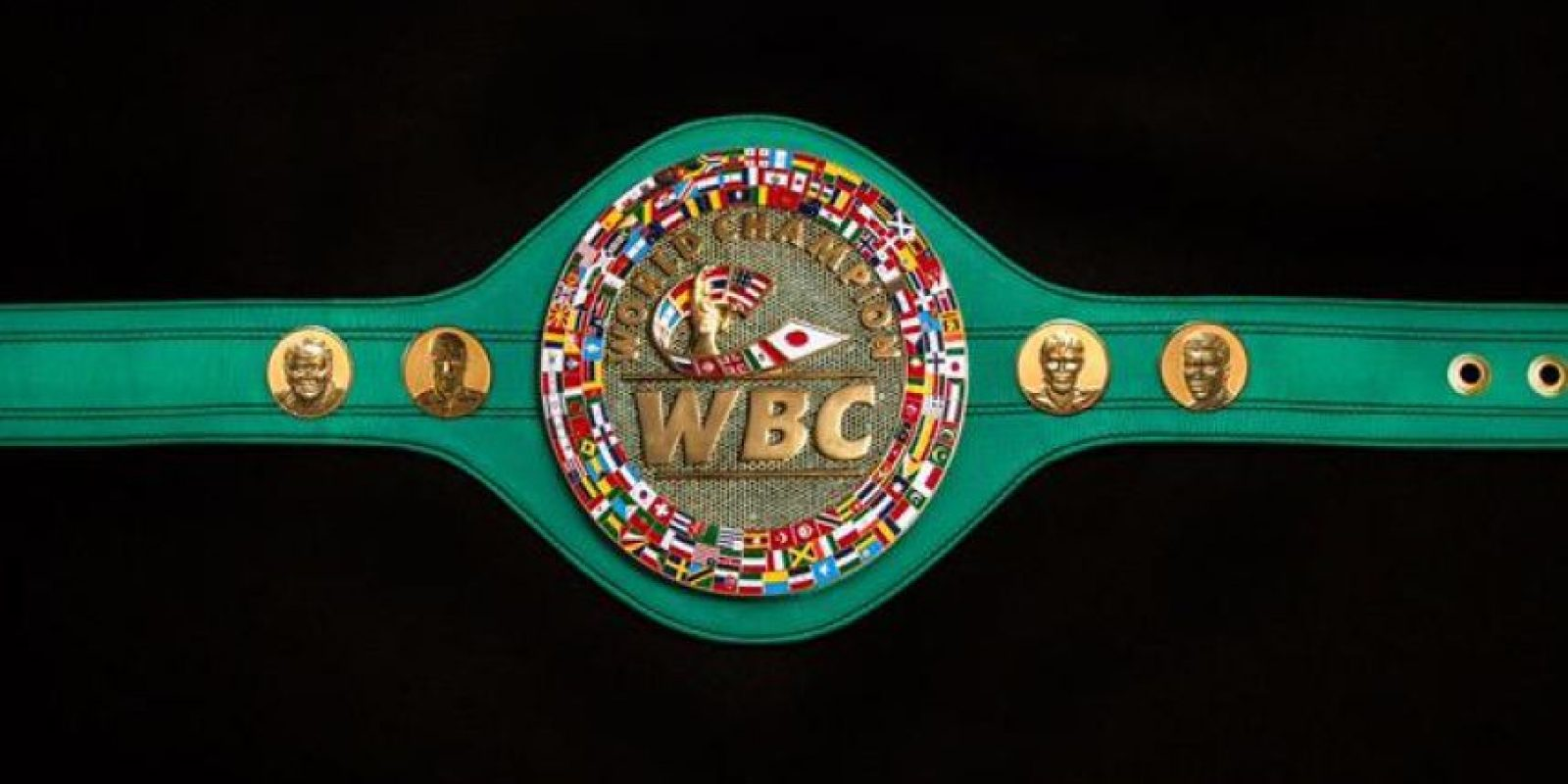 Esta pieza también lleva los rostros de Pacquiao, Mayweather, José Sulaimán y Muhhamad Ali. Foto:World Boxing Council