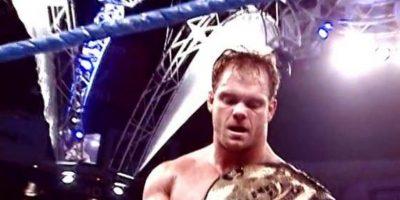 Se suicidó a los 40 años, después de asesinar a su esposa e hijo Foto:WWE