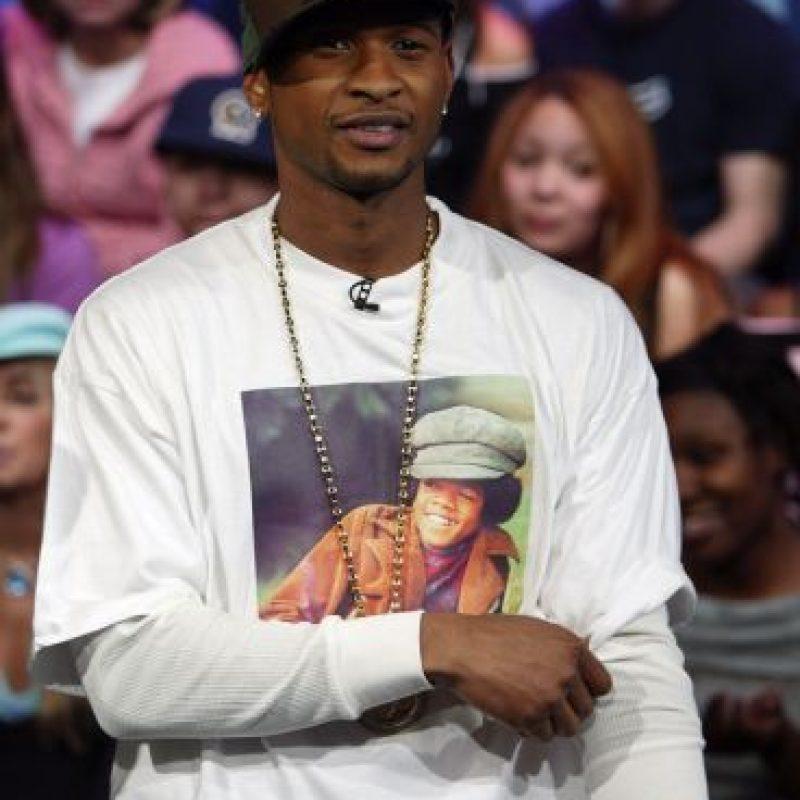 Usher dejó de vestirse así hasta que vio a Justin Bieber y le pasó todo el mal gusto a él. Foto:vía Getty Images