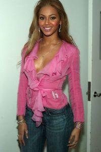 Beyonce mostró que este detestable rosado, el bling bling y todo lo demás puede ir unido. Foto:vía Getty Images