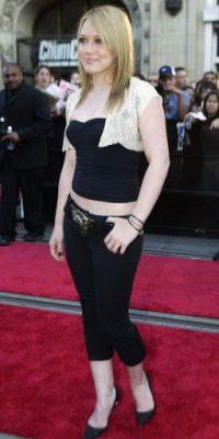 """Pantalón pescador, """"saquito"""" y crop top con Hilary Duff Foto:vía Getty Images"""