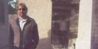 El fantasma de…¿Jim Morrison? La foto fue tomada en 1997, pero 5 años después, su autor se percató de una forma extraña. Supuestamente la del cantante Jim Morrison, posando al lado de su tumba. Foto:vía Brett Meisner