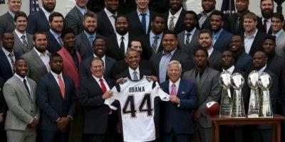 Ahí, los Patriotas se reunieron con Barack Obama, presidente de los Estados Unidos tras coronarse en el Super Bowl XLIX. Foto:AP