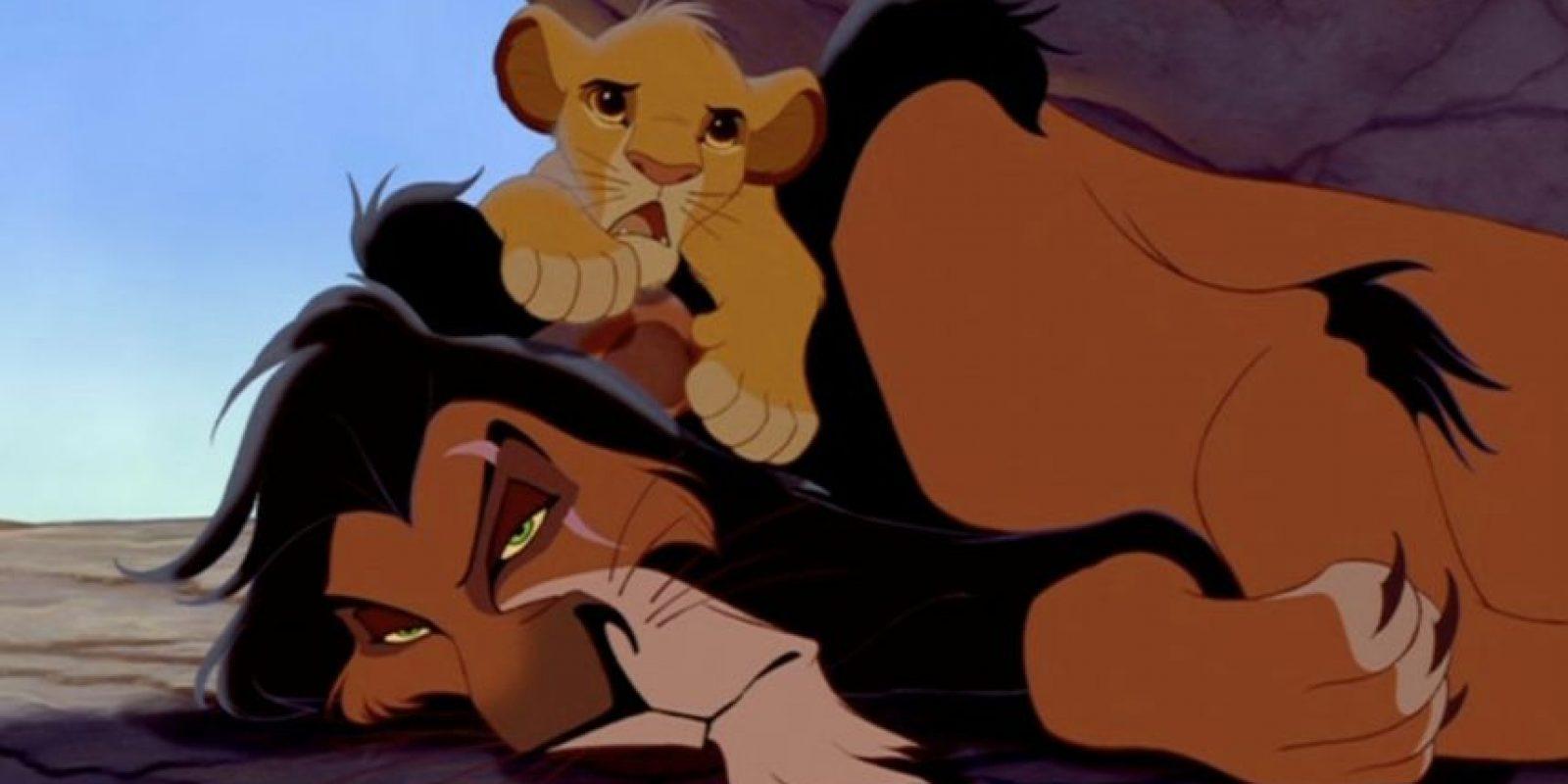 """1.- Su nombre no es """"Scar"""", fue bautizado con el nombre de """"Taka"""" Foto:Vía Facebook.com/DisneyTheLionKing"""