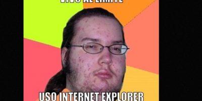 Meme del friki'. Este meme hace mofa de los frikis obsesionados por las cosas 'geeks', como cómics y videojuegos, que solo interactúan con su computadora. Foto:Memegenerator
