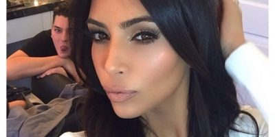 Kim Kardashian posó en bikini para celebrar a la Madre Tierra