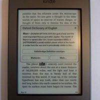 Kindle es un eReader que permite comprar, almacenar y leer libros digitalizados, creado por la tienda virtual Amazon Foto:Amazon
