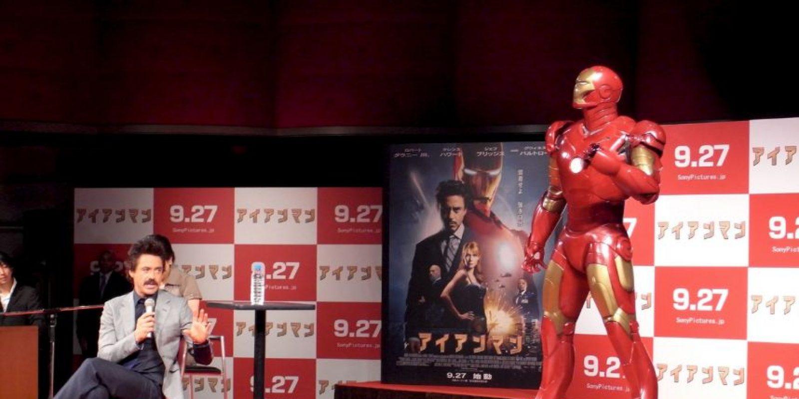 """Al respecto de su papel en """"Iron Man"""", Stan Lee ha dicho que él es Tony Stark y nadie más puede reemplazarlo. Foto:vía Facebook/Robert Downey Jr"""