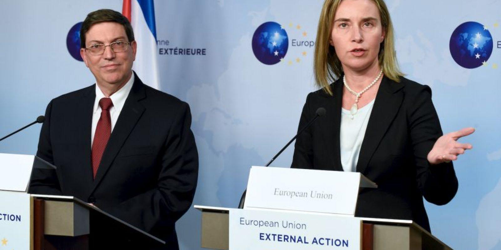 El cubano Bruno Rodríguez junto a Federica Mogherini, durante una rueda de prensa. Foto:AFP