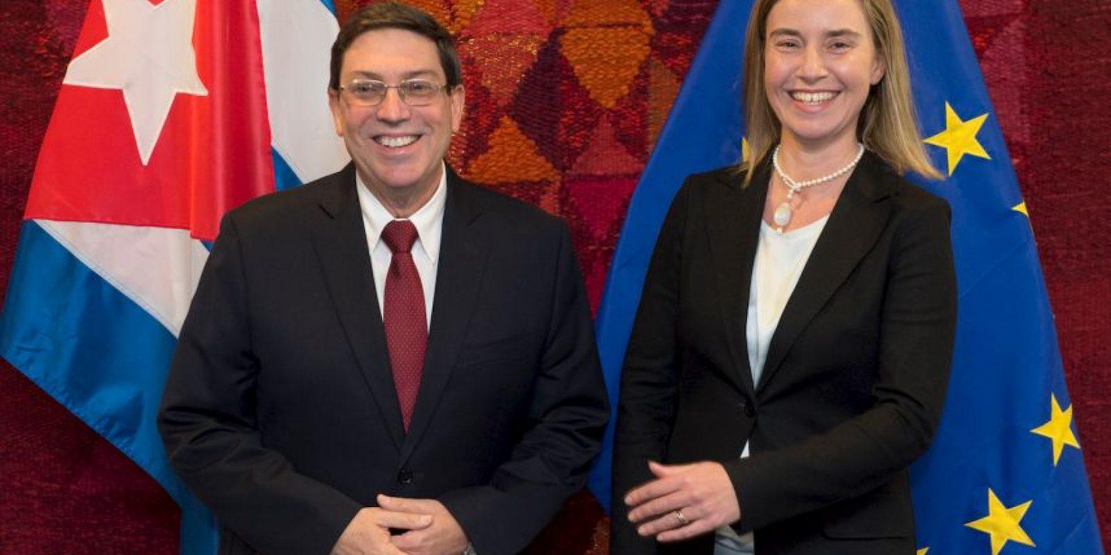 La representante de Política Exterior de la UE, Federica Mogherini y el canciller de Cuba, Bruno Rodríguez, en Bruselas Foto:AFP