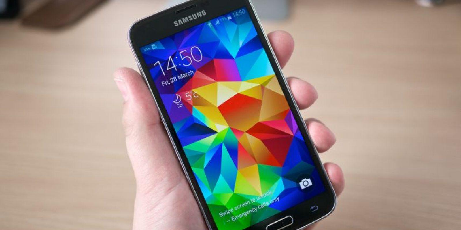 """Por lo visto, la relación de Sony y """"James Bond"""" llegará a su fin para la película """"Spectre"""", ya que Samsung lograría incorporar su modelo más reciente como el smartphone oficial de este personaje Foto:Samsung"""