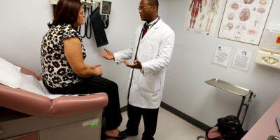 10. Para estudiar la sensibilidad alérgica, la prueba más utilizada es el prick test en la que se inocula una pequeña cantidad de una sustancia alérgica en la cara anterior del antebrazo para medir el grado de afección. Foto:Getty Images