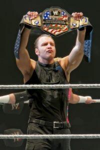 KICKOFF – WWE Tag team Championship: Dean Ambrose vs. Luke Harper Foto:Wikimedia