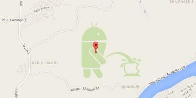El robot de Android se orina en el logo de Apple en Google Maps