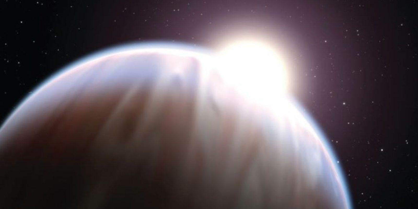 Al momento del lanzamiento del Hubble, en 1990, los astrónomos no habían encontrado un solo planeta fuera de nuestro sistema solar. Ahora hay más de 400 planetas extrasolares, la mayoría de ellos descubiertos por los telescopios terrestres. Pero Hubble ha hecho algunas contribuciones únicas a la búsqueda de planetas. Mirando el ocupado bulto de nuestra Vía Láctea, Hubble observó 180 mil estrellas y encontró 16 posibles mundos que orbitan una variedad de estrellas. Foto:Hubble