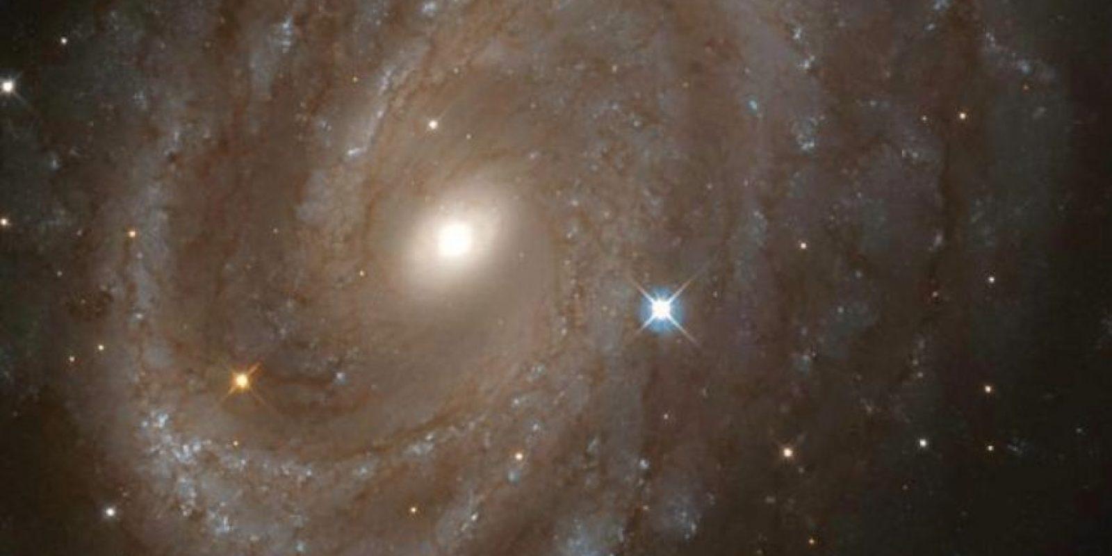 Hubble concluyó un estudio de 31 estrellas variables Cefeidas, un tipo especial de estrella que puede ser utilizado para hacer mediciones de grandes distancias cósmicas. El estudio ayudó a los científicos a determinar con precisión la edad del universo. Sus observaciones de estrellas variables cefeidas en galaxias como NGC 4603, junto con las mediciones realizadas por otros observatorios, eventualmente apuntaron a una edad de 13,7 mil millones de años. Foto:Hubble