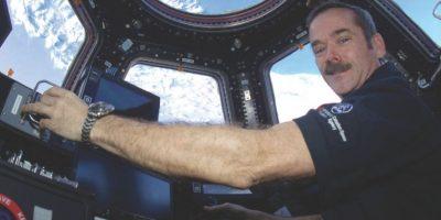 Chris Hadfield, el astronauta que retrató al planeta, relata sus experiencias