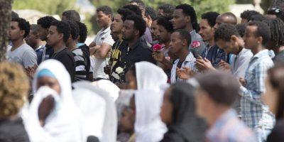 Mientras tanto, el luto continúa por los miles de fallecidos Foto:AP