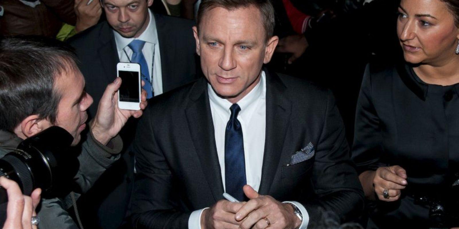 """Daniel Craig, actor que interpreta a """"James Bond"""" en las más recientes películas, siempre ha usado teléfonos de la marca Sony en las cintas Foto:Getty Images"""