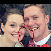 Una cara detrás con sonrisa macabra causa la peculiaridad de esta imagen. De miedo, ¿no? Foto:Imgur