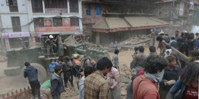 Según Laxmi Dhakal, portavoz del Ministerio del Interior de Nepal, esta es una cifra apenas inicial, ya que las labores de rescate están en su fase inicial. Foto:vía AP