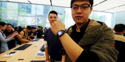 Así disfrutaron del gadget en las tiendas Apple en China. Foto:Getty Images