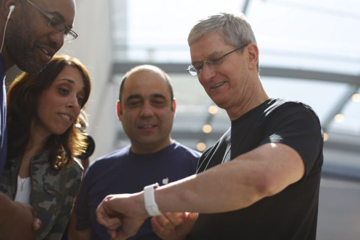 Tim Cook no podía faltar luciendo este reloj. Foto: Getty Images