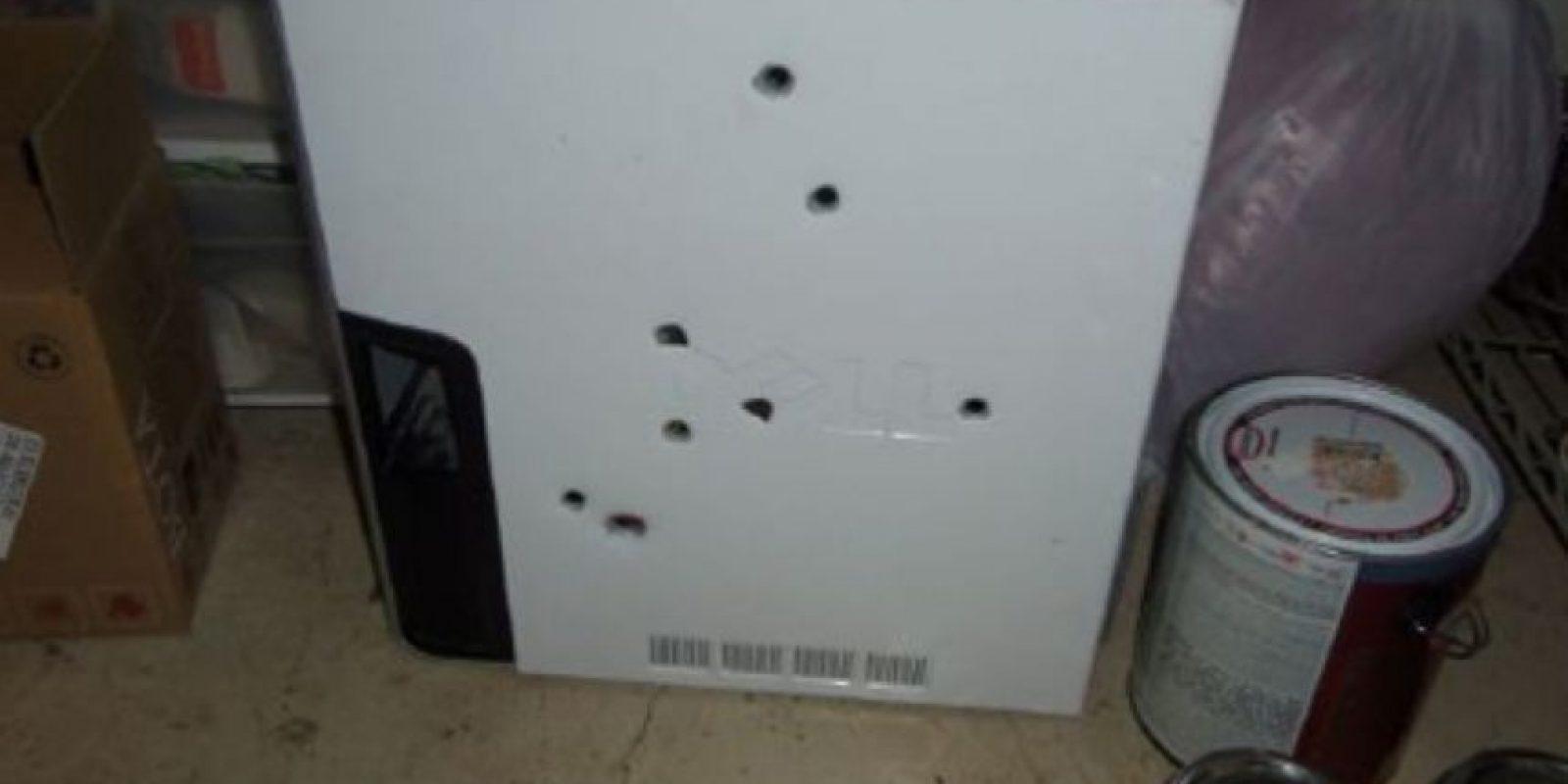 Un hombre en Colorado tiene que comparecer ante un juez por haberle disparado a su computador. Le dio 8 tiros porque lo tenía harto. Foto:vía The Smoking Gun