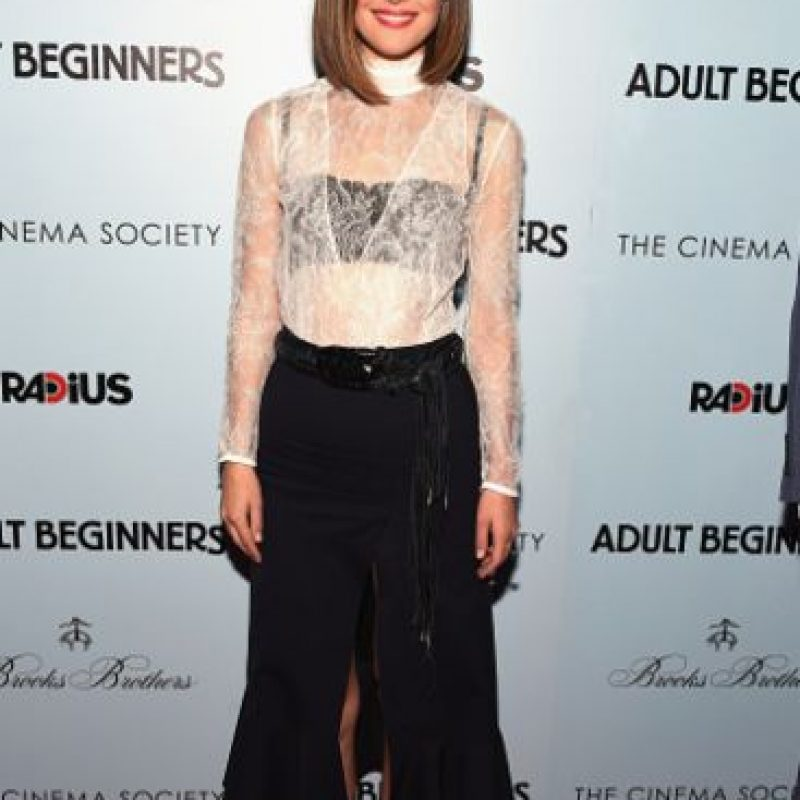 Rose Byrne suele vestirse bien, pero acá parece que un diseñador la usó para su proyecto de grado. Foto:vía Getty Images