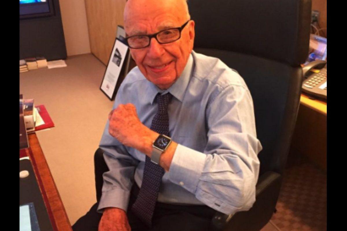 Rupert Murdoch es un empresario, inversionista y magnate australiano nacionalizado estadounidense, director ejecutivo y principal accionista de News Corporation. Foto:twitter.com/nravitz/