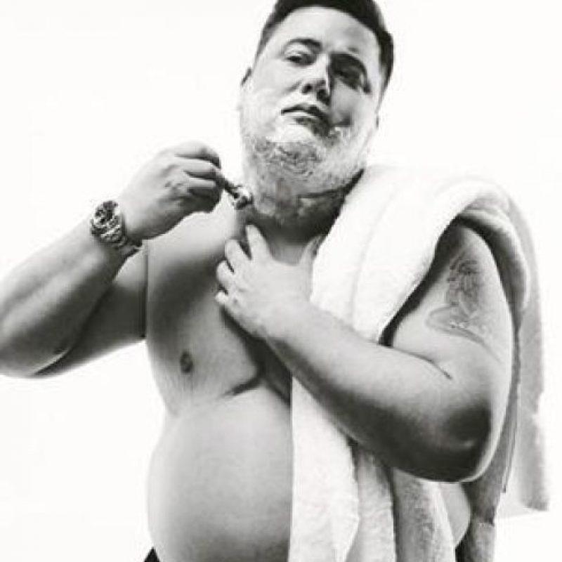 """En 2008 comenzó su transición al sexo masculino, que incluso relató en el documental """"Becoming Chaz"""". Foto:Facebook/Chaz Bono"""