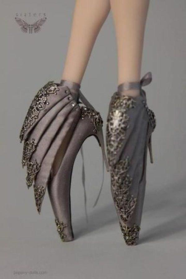 Estos zapatos los popularizó el difunto diseñador Alexander McQueen. Foto:vía Getty Images