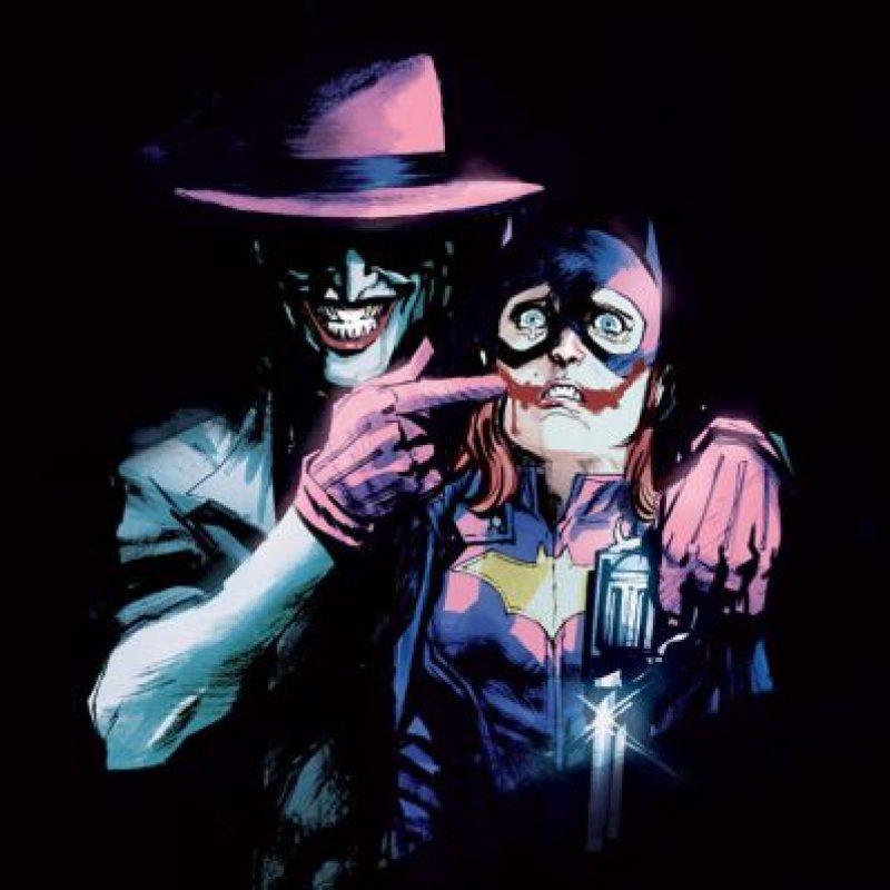 Esta portada fue retirada por DC Comics. Se le acusó de expresar extrema violencia. El dibujo fue creado para homenajear al personaje por parte de esta empresa Foto:FayerWayer