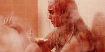 """""""Rochelle"""" se venga de ella haciéndole caer todo el pelo. Por esto, """"Laura"""" se vuelve amable con ella. Foto:vía Columbia Pictures"""