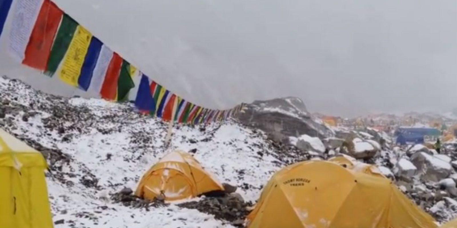 Todo era normal en el campamento del alpinista alemán Jost Kobusch Foto:vía Youtube/Jost Kobusch