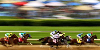 El Derby de Kentucky recibe cada año alrededor de 150 mil fanáticos. Foto:Getty Images